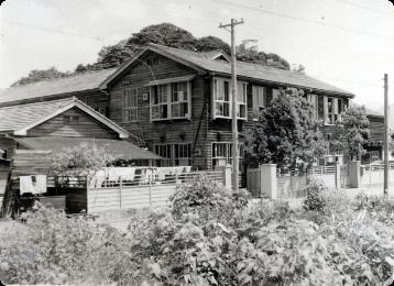 舞鶴学園園舎